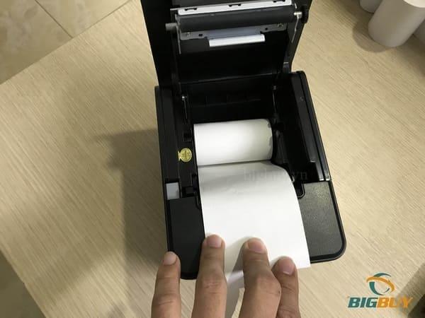 Cách lắp giấy vào máy in hóa đơn
