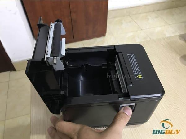 Lắp giấy vào máy in hóa đơn